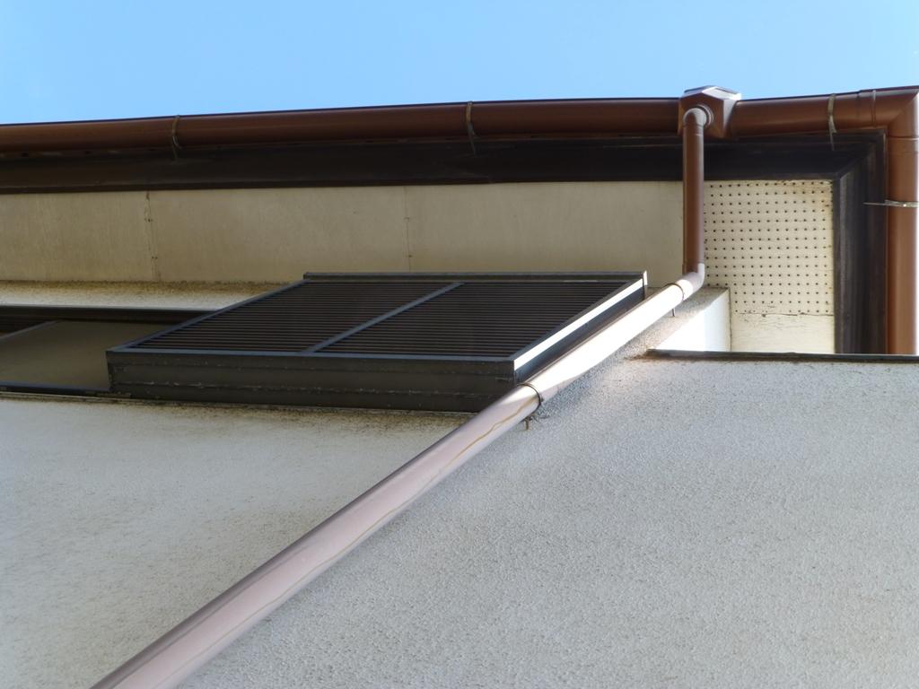 稲垣塗装の雨樋交換工事例