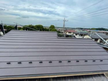 金属屋根(スーパーガルテクト)に葺き替え後