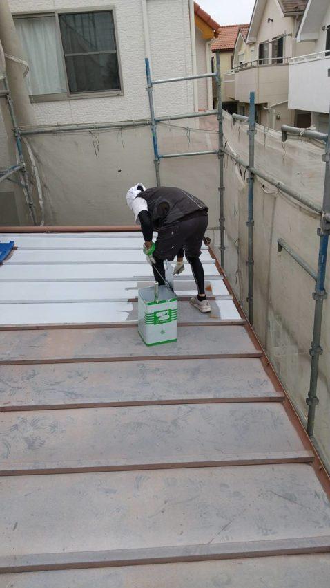 ガルバリウム鋼板の塗り替え